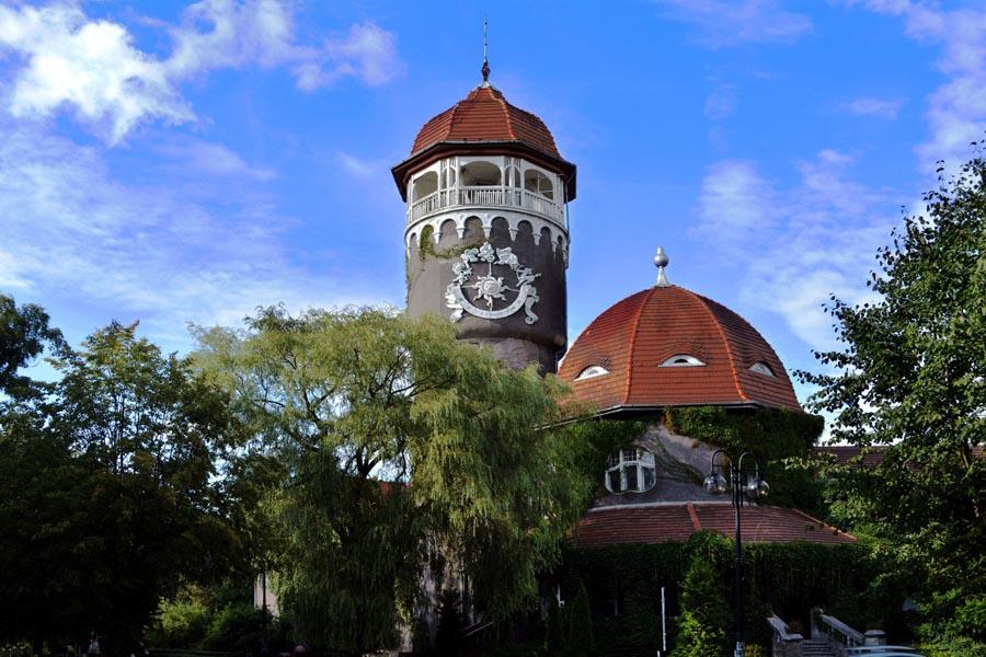 Водолечебница с водонапорной башней