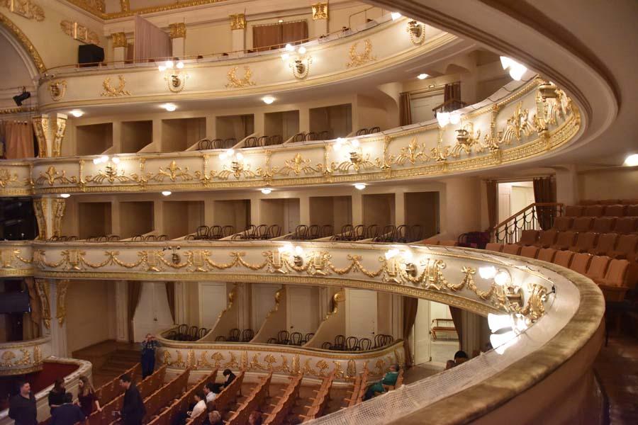 Оперный театр внутри