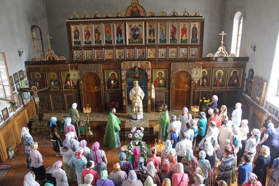 Храм Александра Невского внутри