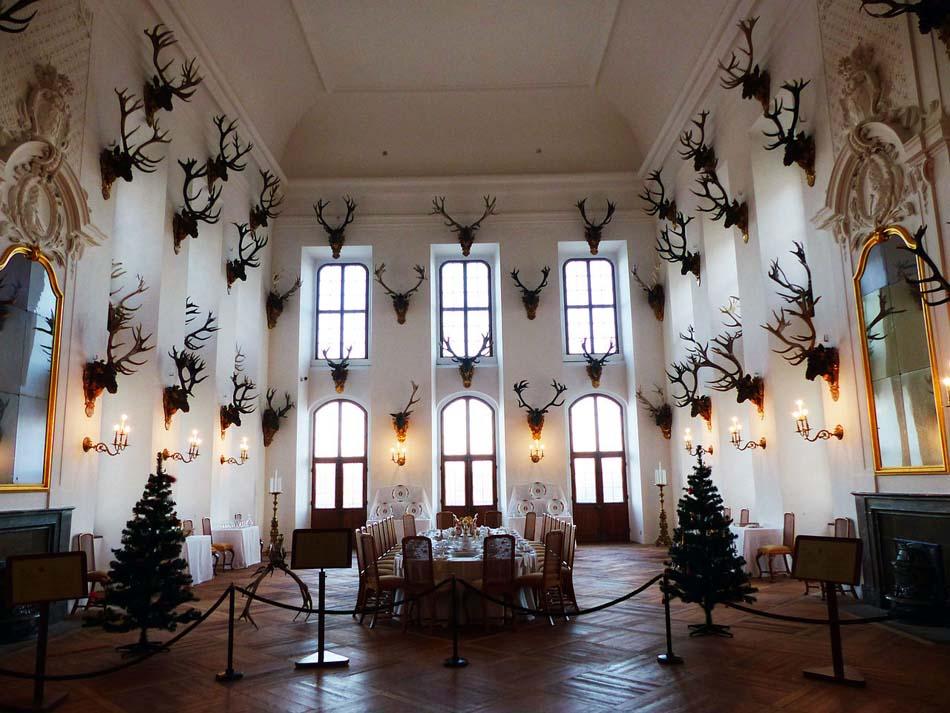 Замок Морицбург внутри