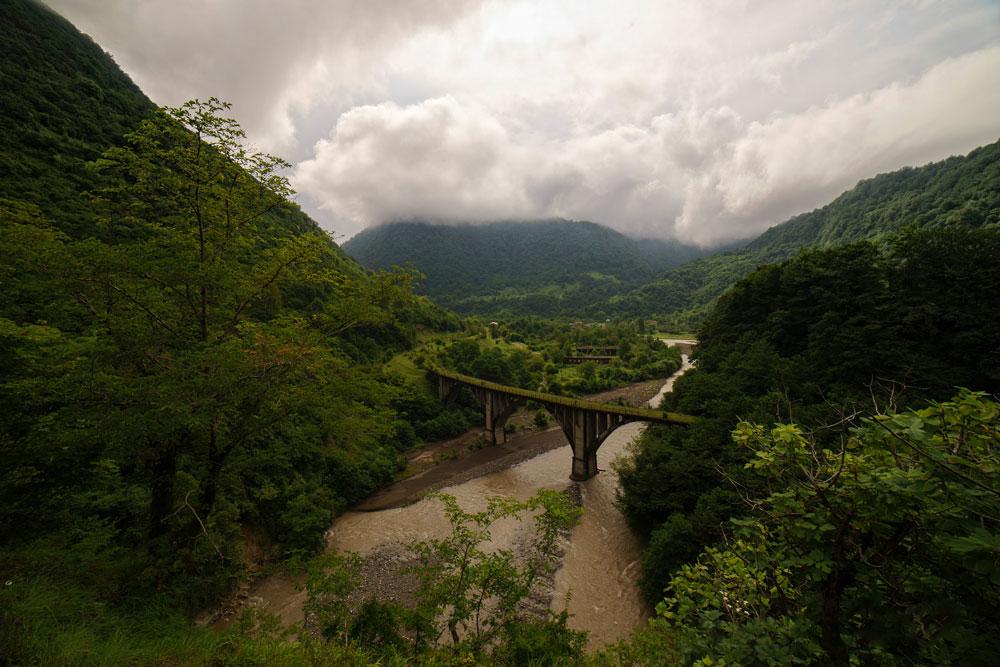 Горы по дороге из Адлера
