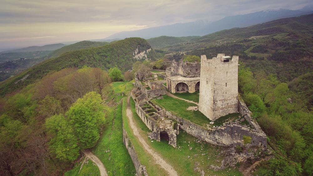 Экскурсия в Абхазии к крепости Анакопия