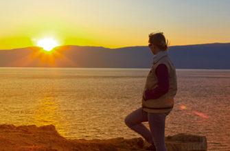 Фото туристки на Малом море