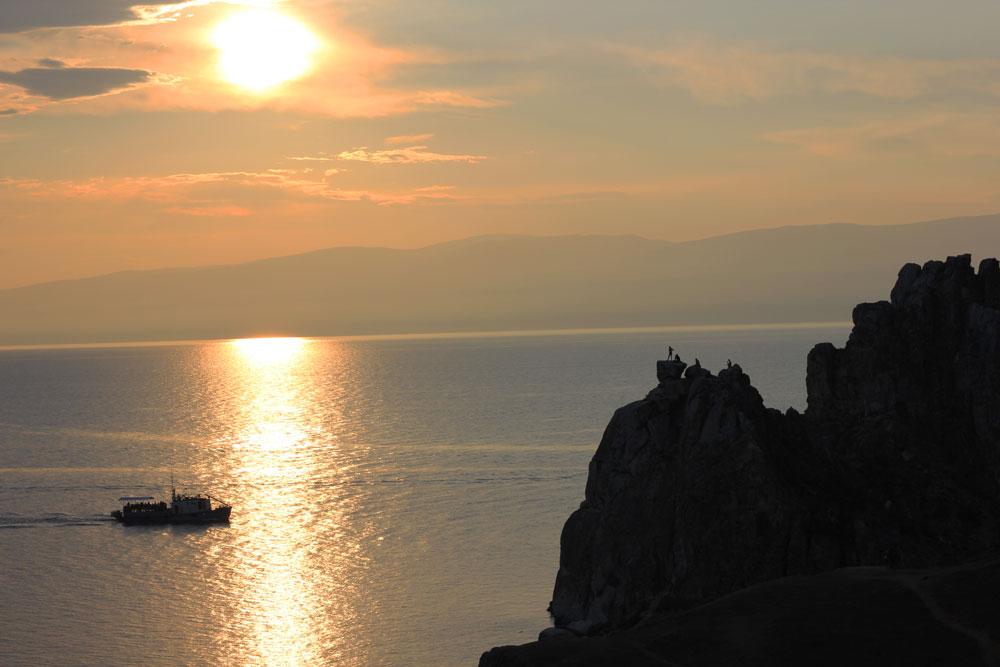Провожаем закат на Байкале