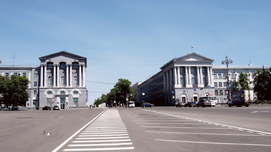 Красная площадь Курска