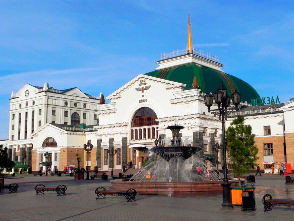 Вокзал и привокзальная площадь