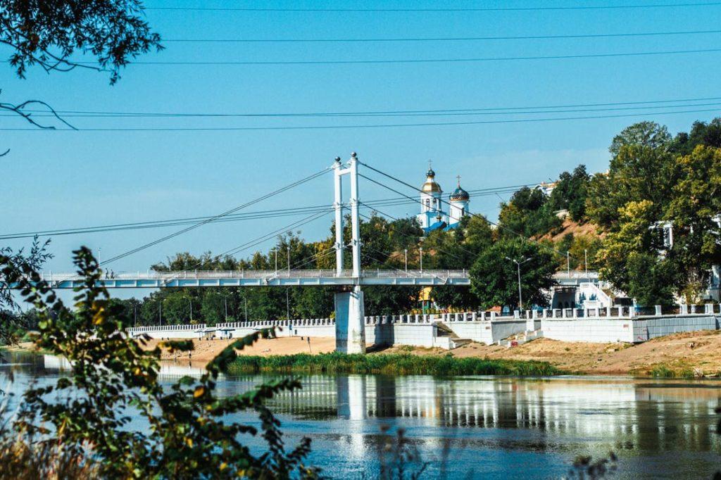 Фото моста Европа-Азия в Оренбурге